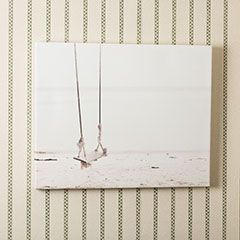 No-Wire Hanging System for Wall Decor